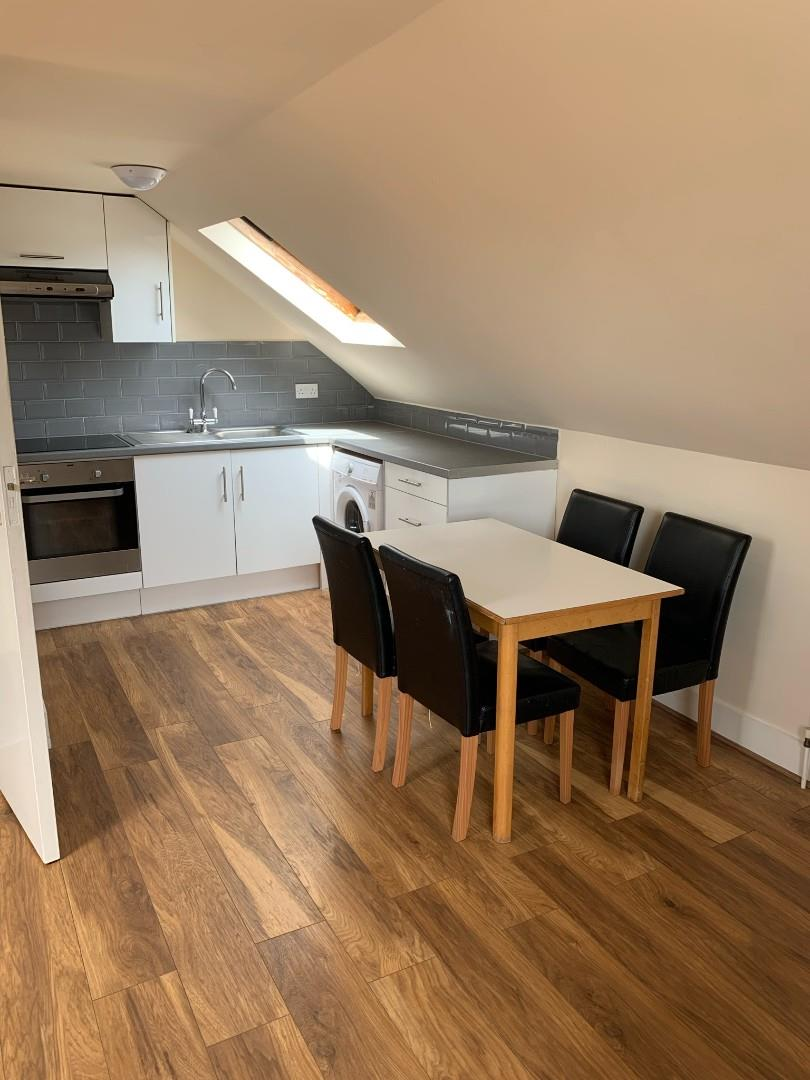 3 Bedroom Flat For Rent in Turnpike Lane